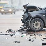 תמונה של רכב הרוס אחרי תאונה בזמן שחזור תאונת דרכים